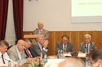 конференція «КОНСТИТУЦІЯ І ВИБОРЧИЙ ПРОЦЕС В УКРАЇНІ»