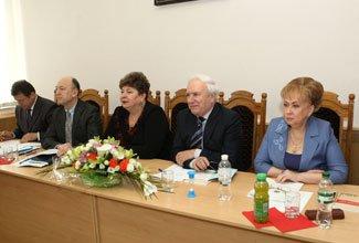 проведення щорічної науково-практичної конференції серед правознавців